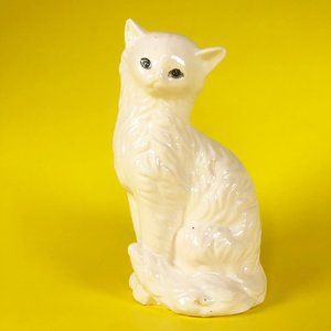 Vintage Cute White Cat Ceramic Kitsch Figurine
